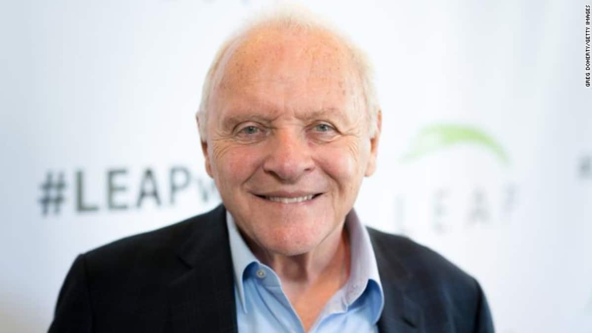 Celebra Anthony Hopkins 45 años de sobriedad